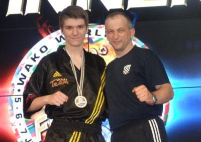 Pavlaković Mihael i trener Zoran Cicvara na postolju - Svjetski kup Riminni